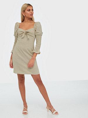 Glamorous Half Sleeve Knot Dress