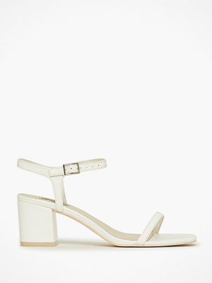 NLY Shoes Square Block Heel Sandal Vit