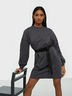 NLY Trend Buckle Belt Sweat Dress