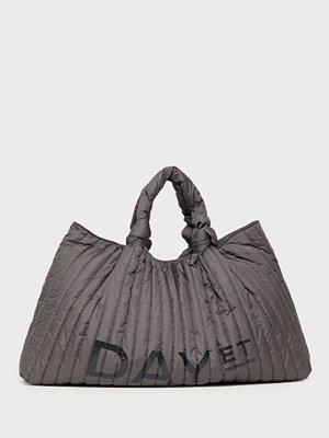 Day Et grå axelväska med tryck Day Knotty Shopper