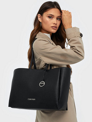 Calvin Klein Sided Shopper W/ Laptop Sleeve