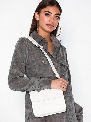 hvisk vit axelväska Cayman Shiny Strap Bag