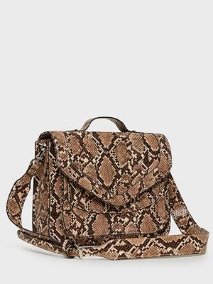 Becksöndergaard brun mönstrad axelväska Snake Mara Bag