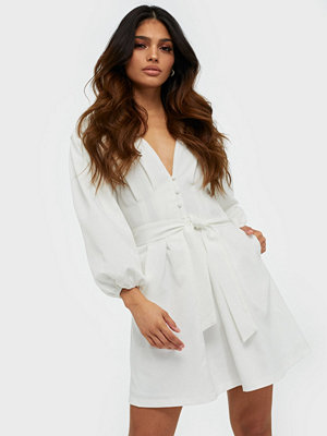 Missguided Plunge Self Button Belted Mini Dress