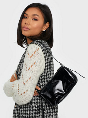 Missguided svart axelväska High Shine Shoulder Bag
