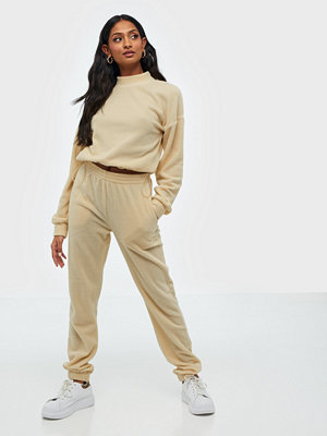 NLY Trend omönstrade byxor Cozy Fleece Pants