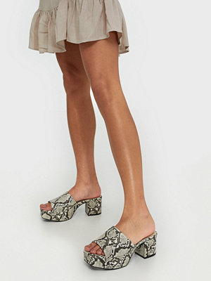 NLY Shoes Low Platform Mule Snake
