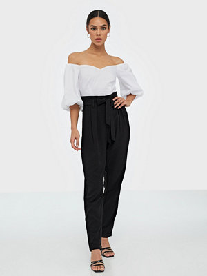 NLY Trend svarta byxor Easy Paperbag Pants