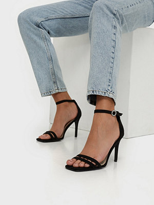 NLY Shoes Round Buckle Heel Sandal Svart
