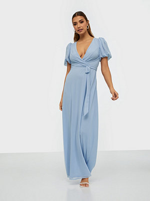 NLY Eve Puff Sleeve Gown
