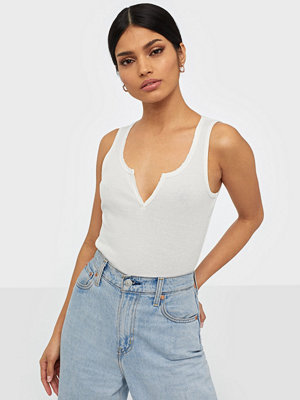 NLY Trend V Cut Top