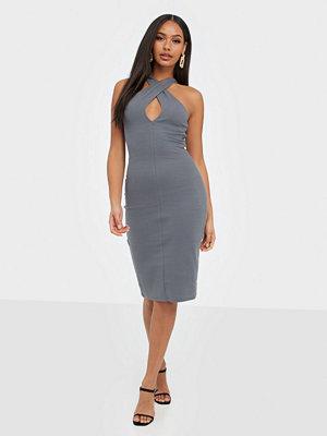 Festklänningar - NLY Trend Wrap Neckline Dress