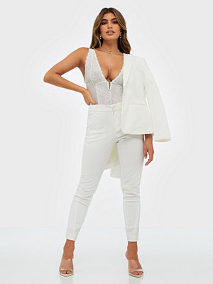 Vero Moda vita byxor Vmvictoria Mr Antifit Ankle Pants C
