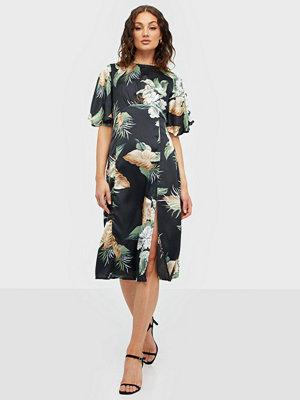 Ax Paris Short Sleeve Midi Dress