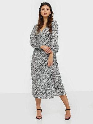 Glamorous Long Sleeve Floral Midi Dress