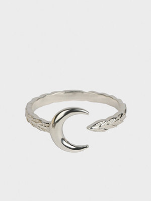 Syster P svart smycke Beaches Narrow Moon Ring