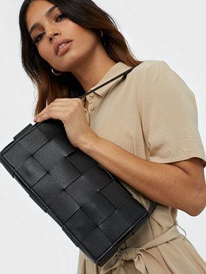 NLY Accessories svart axelväska Say No More Bag