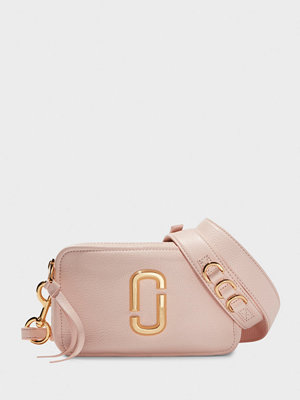 The Marc Jacobs ljusgrå axelväska The Softshot 21 Pink