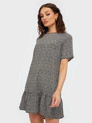 Ax Paris Short Sleeve Flounce Bottom Dress
