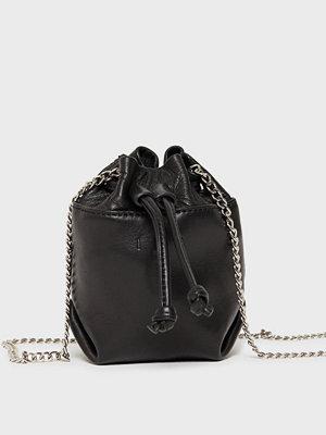 Iro svart väska WM44PIETRO