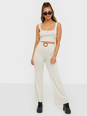 Toppar - Missguided Ribbed Button Knitted Crop Top