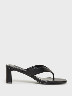 River Island Toe post block heel
