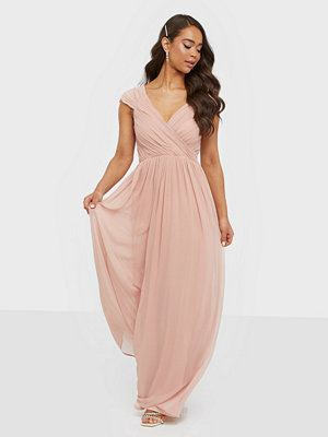 NLY Eve Cap Sleeve Maxi Gown