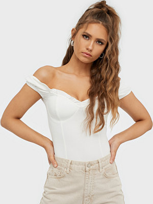 NLY Trend Flirty Sweet Top