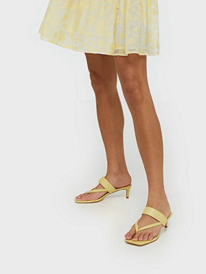 NLY Shoes Flirty Flip-Flop Heel