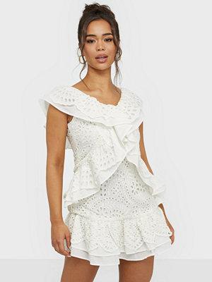 Festklänningar - Glamorous Lace V Neck Mini Dress