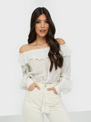 Y.a.s Yasagnete Off Shoulder Top - Fest