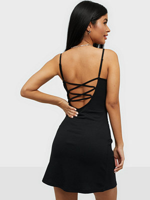 NLY Trend Crossed Back Dress
