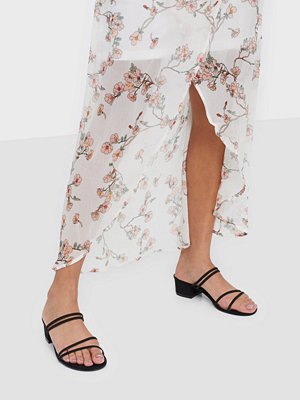NLY Shoes Thin Strap Block Heel