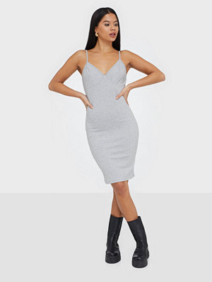 Only ONLHOLLIE S/L V-NECK DRESS JRS