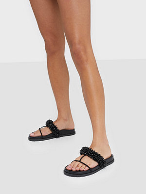 Tofflor - NLY Shoes Beaded Strap Sandal