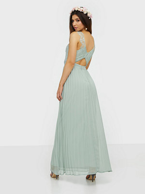 NLY Eve Fancy Back Lace Gown