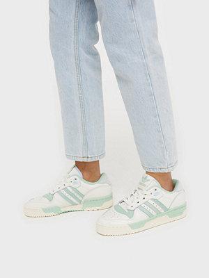 Sneakers & streetskor - Adidas Originals Rivalry Low