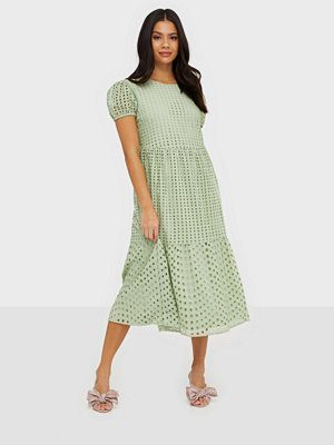 Only ONLSANNIE S/S CALF DRESS WVN