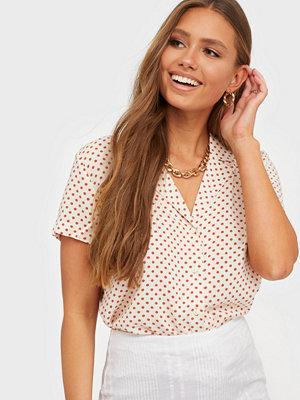 Skjortor - Jacqueline de Yong Jdystarr Life S/S Shirt Wvn