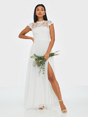 NLY Eve Flawless Lace Gown