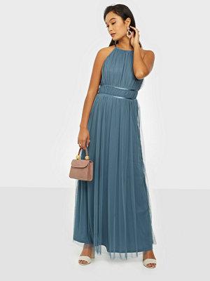 Festklänningar - Vila Vilynnea Halterneck Maxi Dress/Su