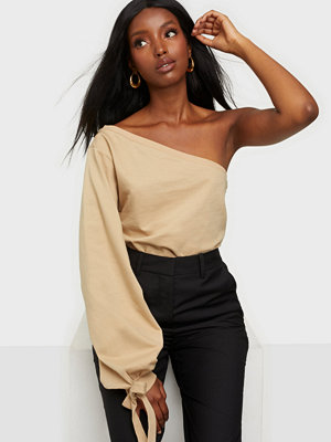 NLY Trend One Shoulder Sweat