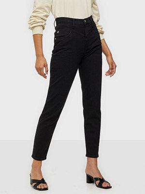 Calvin Klein Jeans Mom Jean