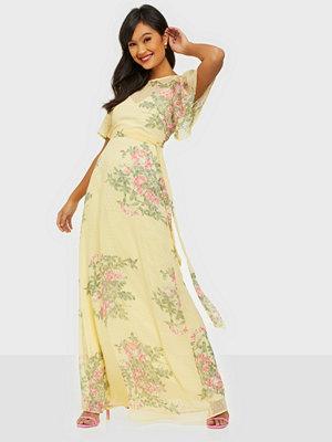 NLY Eve Dobby Flounce Gown
