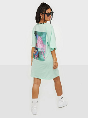 Missguided Back Graphic Oversized T-shirt Dress