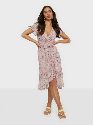 NLY Trend Lush Flounce Dress