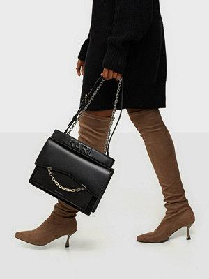 Karl Lagerfeld svart axelväska K/Karl Seven Medium Shoulderbag