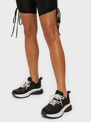 NLY Shoes Divided Contrast Runner