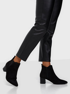 Duffy Heeled Chelsea Boots