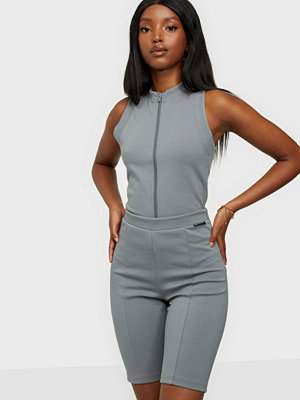 Shorts & kortbyxor - Nicki Studios High Rise Shorts Grey
